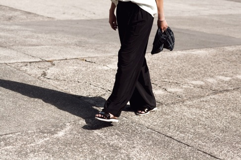 White-Leather-Tee-Black-Pants-Oracle-Fox